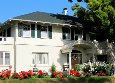 Rose Tree Cottage is located in one of Pasadena's historical homes.