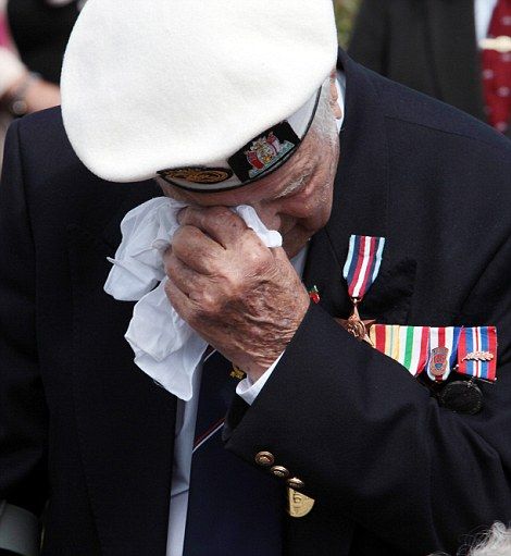 D-Day veteran Douglas Turtle, 91, remembers the fallen. So terribly moving.