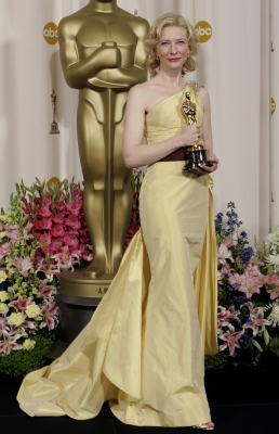 Valentino equals Oscar gold for the elegant Cate Blanchett!