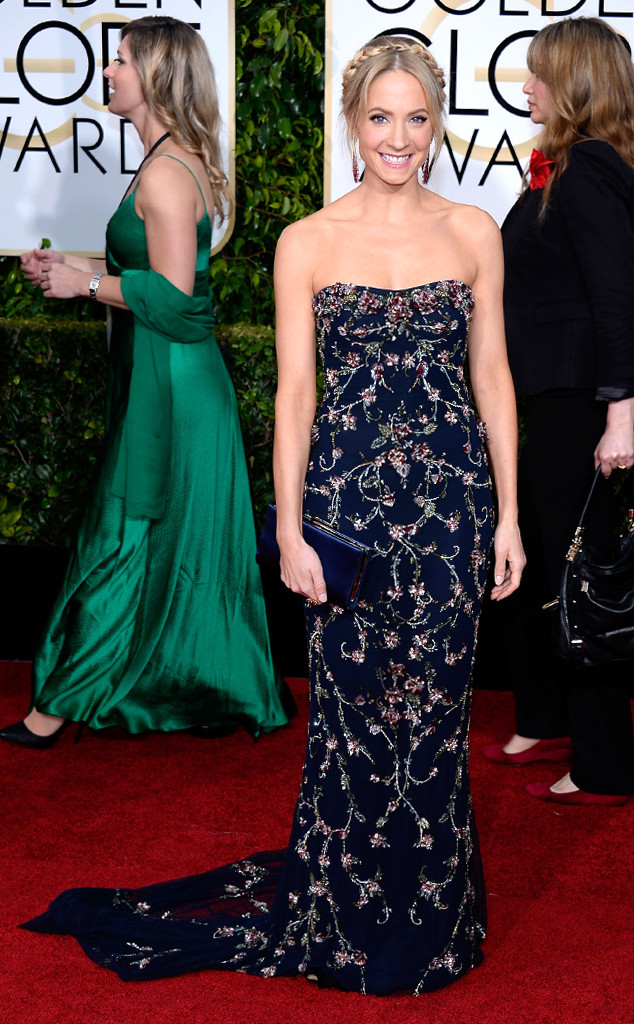 Joanne stunned on the Golden Globe red carpet.