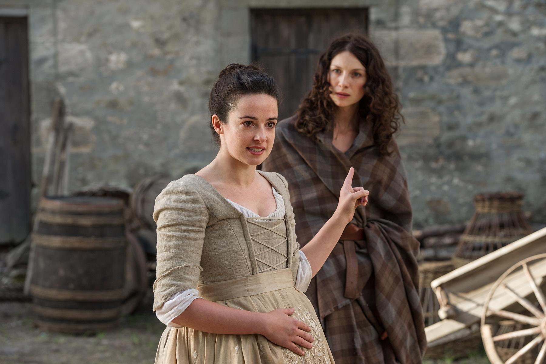 Https 2017 07 19 Jodie Whittaker Makes Catriona Agatha Top Handle Bag Black Outlander112ftrollope