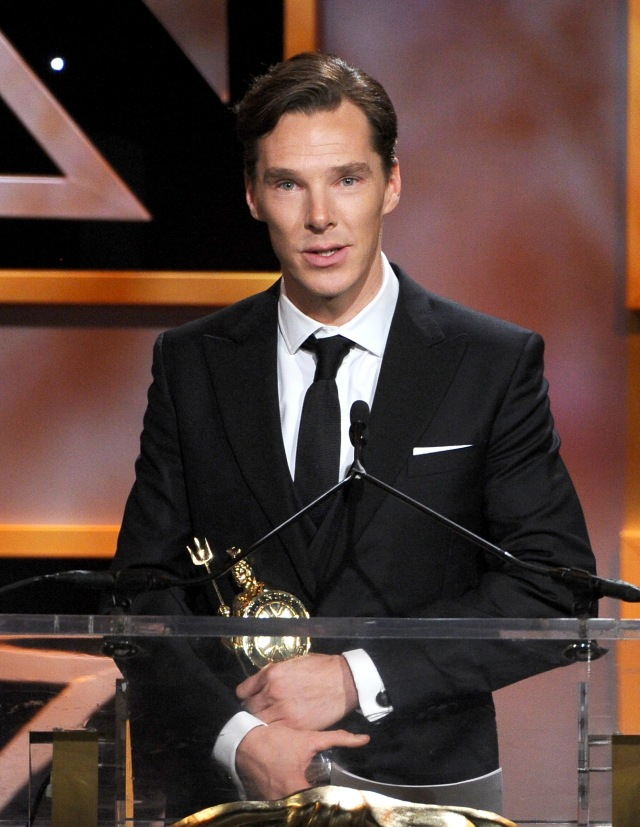 Benedict Cumberbatch receives the 2013 British Artist of the Year Award (Photo by Kevin Winter/Getty Images)